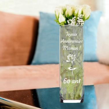 Vase droit anniversaire en verre gravé